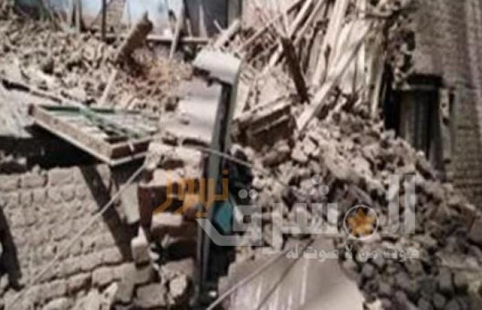 إنقاذ شخص من تحت الأنقاض عقب انهيار منزله بالمنوفية