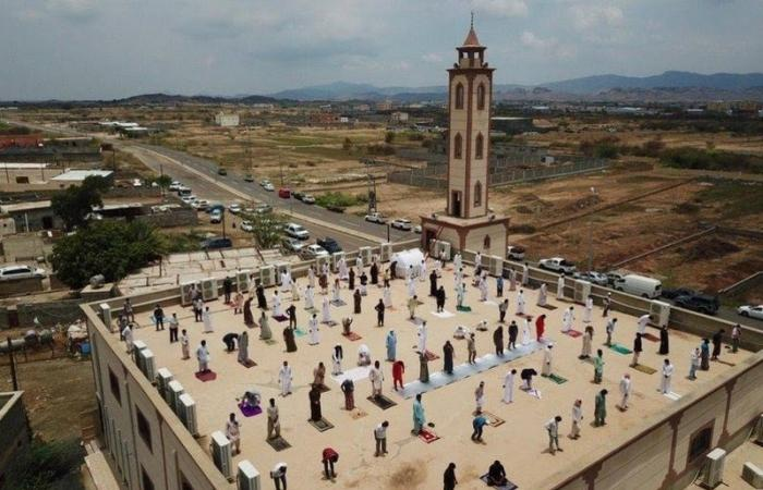 """""""الشؤون الإسلامية"""": الصلاة فوق أسطح المساجد غير مسموح بها.. وسيتم محاسبة المتسبب"""