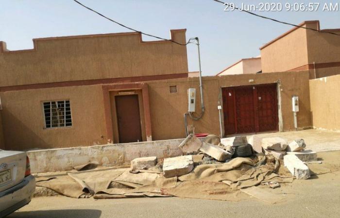"""بلدية """"السهي"""" تكثف معالجة التشوهات البصرية وتزيل المخلفات والحشائش"""