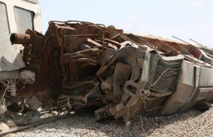 """""""اصطدام مروع لقطار بحافلة"""" يُصرع ويُصيب 28 شخصًا بباكستان"""