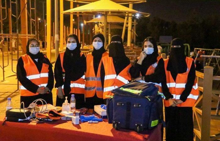 """""""هلال الباحة"""": المسعفون والمتطوعون والمتطوعات حرصوا على سلامة زوار """"غابة رغدان"""" وجوامع المنطقة"""