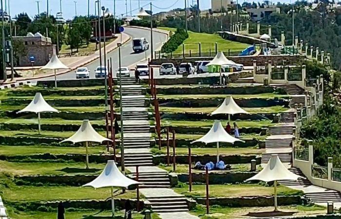 """الباحة.. قِبلة السياحة الصيفية بالسعودية.. هنا ثاني أطول مسار بآسيا ومشروع """"الانزلاق الحر"""""""