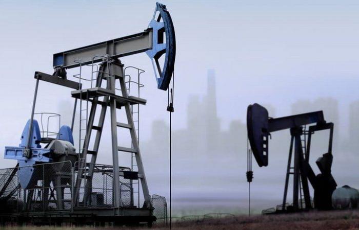 """انخفاض بأسعار النفط و""""برنت"""" ما زال فوق الـ42 دولارًا للبرميل"""