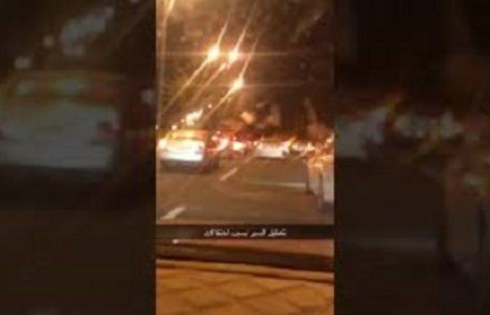 مسيرة السيارات باحتفالات الزواج سلوك سلبي يعرقل حركة المرور .. ومطالبات بإيقافه