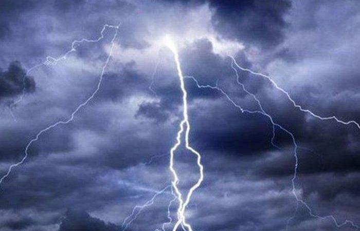 """""""الأرصاد"""": أمطار رعدية ورياح وأتربة مثارة على جازان"""