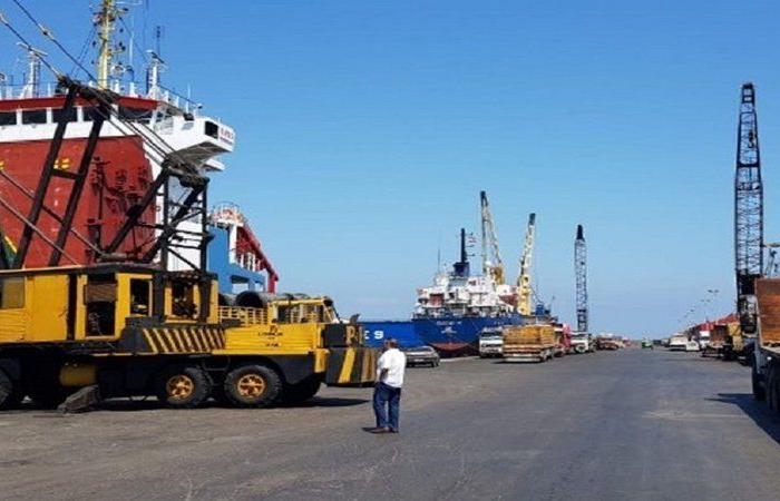 لبنان.. مرفأ طرابلس يؤكد خلوه من المواد الخطرة ويستعد لاستقبال شحنات قمح
