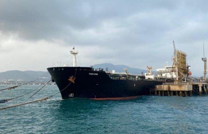 """أمريكا تنفذ """"أكبر عملية مصادرة للنفط الإيراني"""" و""""طهران"""" تنفي!"""