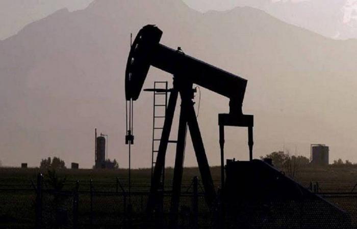 """النفط يواصل مكاسبه.. و""""برنت"""" عند 46.03 دولار للبرميل"""