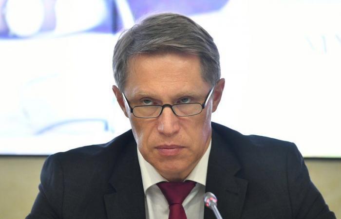 """وزير الصحة الروسي: أعراض لقاح """"سبوتنيك V"""" متوقعة"""