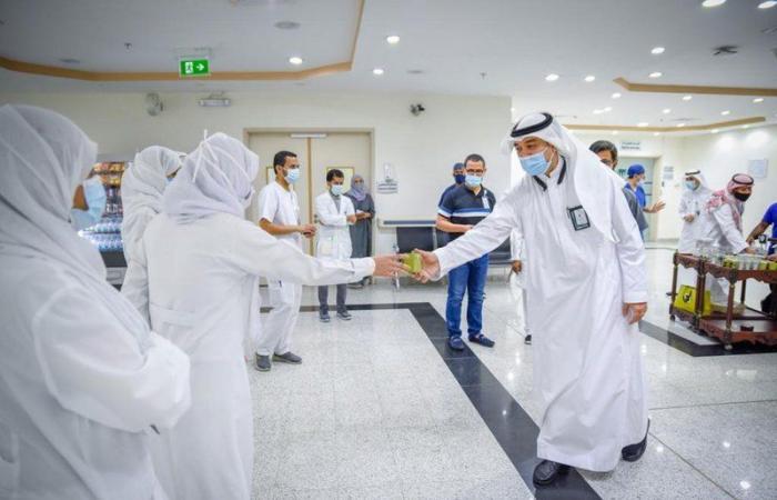 """شاهد.. جولة على ممارسي مستشفى المؤسس بمكة تزامنًا مع """"اليوم العالمي لسلامة المرضى"""""""