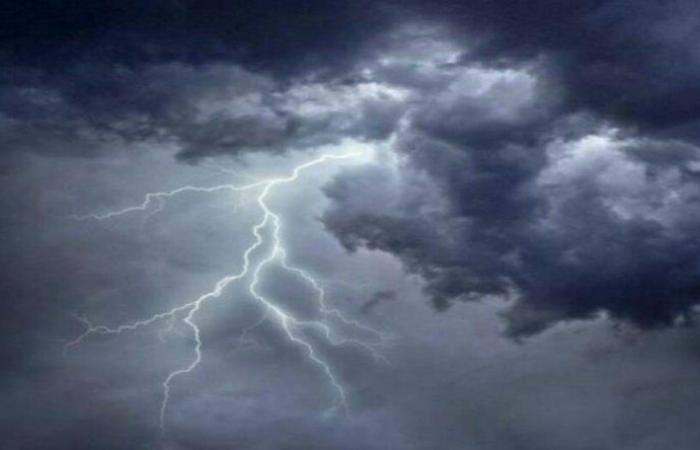 """أمطار ورياح وأتربة.. """"الحصيني"""" يرسم خريطة """"طقس بداية الأسبوع"""""""