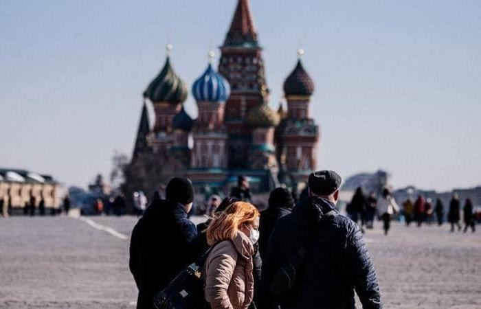 فوق الـ 6 آلاف لليوم الرابع.. إصابات كورونا في روسيا تواصل الارتفاع