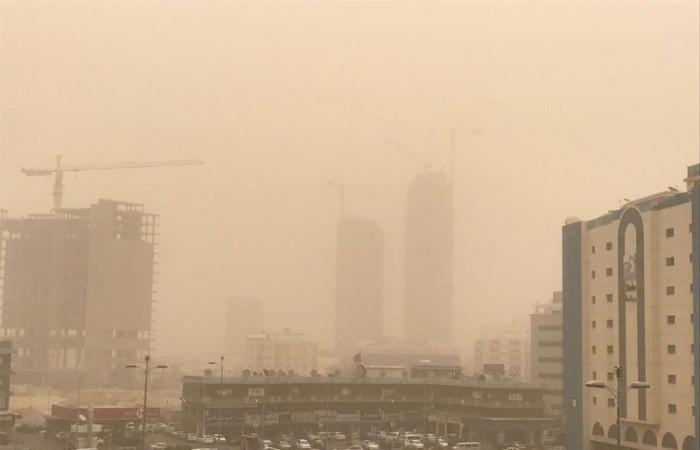 """""""الأرصاد"""": رياح نشطة وأتربة مثارة على عدد من محافظات مكة المكرمة"""