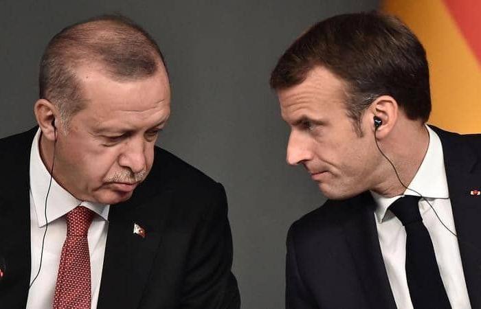 ماكرون يدعو أردوغان إلى الالتزام بوقف التصعيد في المتوسط
