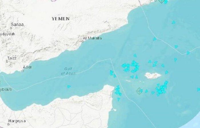 وزير يمني يتهم طهران بممارسة دور تخريبي في بلاده بعشرات سفن الصيد