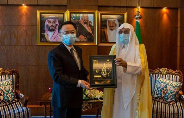 سفير الصين بالمملكة: الملك سلمان وولي عهده وضعا سلامة الناس وصحتهم من الأولويات
