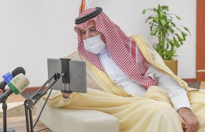 """""""أمير المدينة"""" يدشن عددًا من المشاريع ويؤكد حرص الحكومة على رفاه المواطن"""