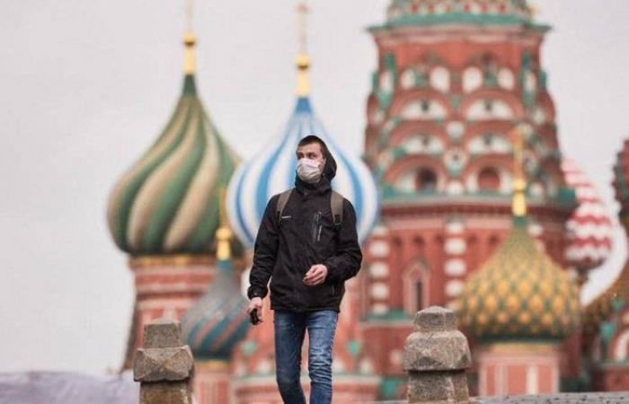 روسيا: 283 وفاة و17340 إصابة جديدة بكورونا