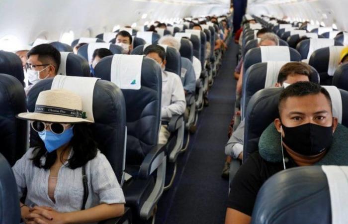 """دراسة: الكمامة تقلل فرص انتقال """"كورونا"""" على متن الطائرات إلى أقصى حد"""