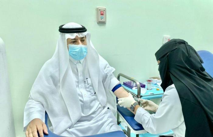 رئيس جامعة جازان يدشن حملة التطعيم ضد الأنفلونزا الموسمية