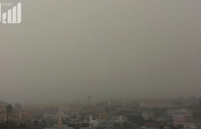 """""""الأرصاد"""": تتأثر منطقتا مكة والمدينة بالعوالق الترابية التي تحد من مدى الرؤية الأفقية"""