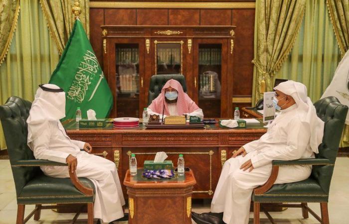 """""""السديس"""" يتفقّد مشروع الملك عبدالله لسقيا زمزم"""