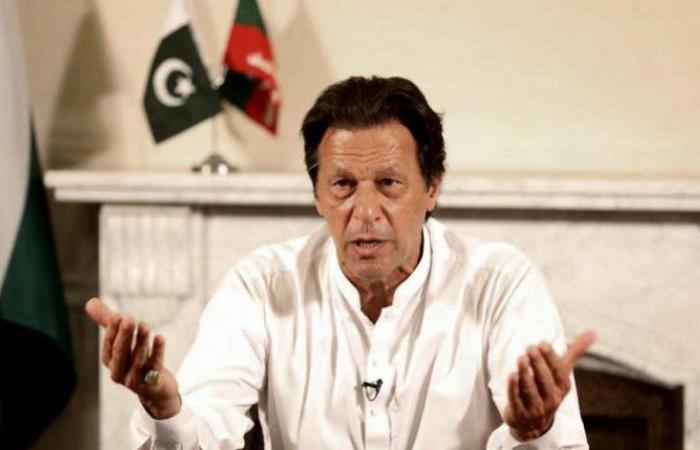 """رئيس الوزراء الباكستاني يدعو إلى موقف إسلامي ضد """"الإسلاموفوبيا"""""""
