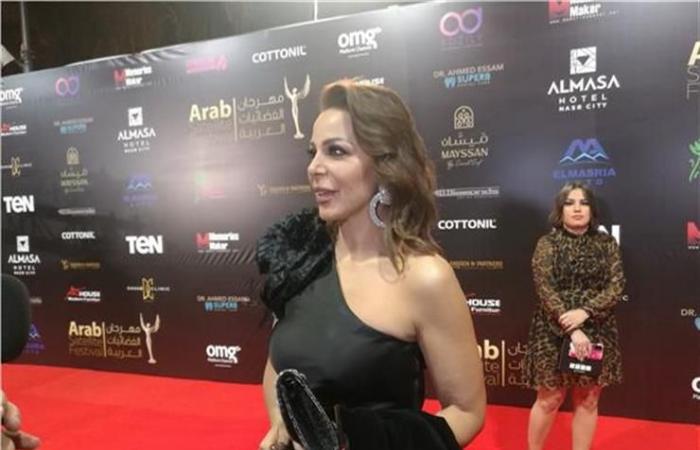 سوزان نجم الدين تتألق بالأسود في مهرجان الفضائيات العربية