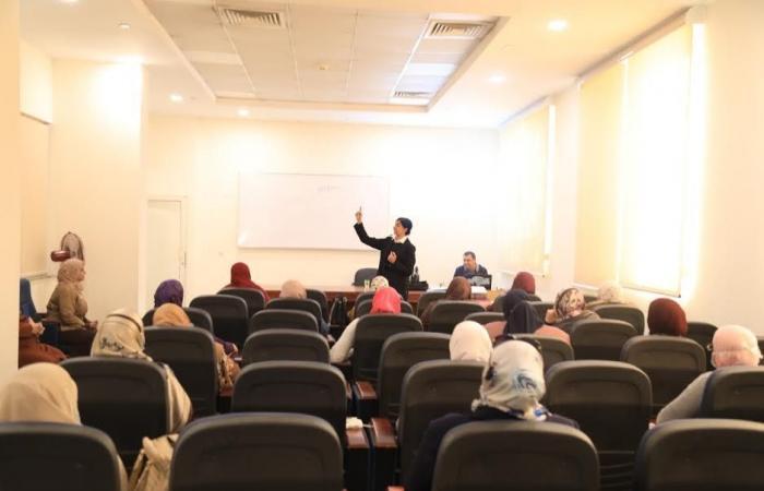 """البحوث الإسلامية يعقد دور لــ""""واعظات الأزهر"""" في """"فن الإتيكيت والتواصل الفعال"""""""