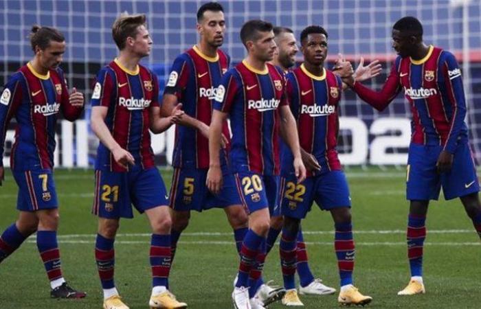 """برشلونة يقدم """"أسوأ نسخة"""" في ربع قرن.. و""""كومان"""" يشخّص الأزمة"""