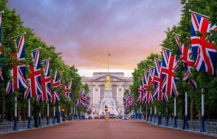 إنجلترا تسعى لتقليص مدة الحجر الذاتي للقادمين من البلدان عالية الخطورة بكورونا