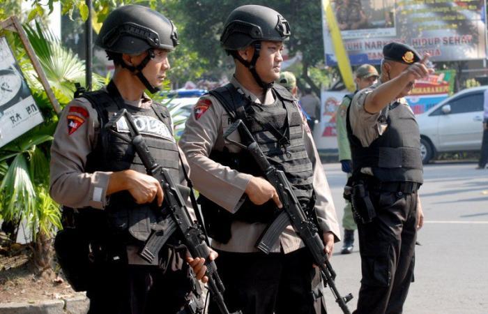 """أحدهم بحز رأسه وآخر حرقاً.. """"داعش"""" يقتل 4 إندونيسيين في قرية نائية"""