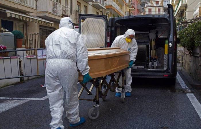 """إيطاليا .. """"كورونا"""" ينهي حياة 686 شخصًا في يوم واحد"""