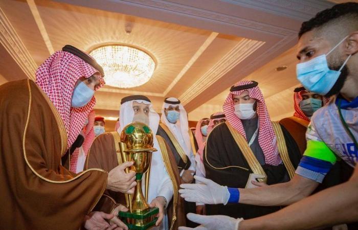 وزير الرياضة يشكر خادم الحرمين الشريفين على رعايته الكريمة للمباراة النهائية لكأس الملك