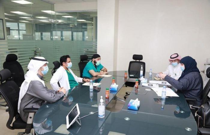 """اجتماع لتقييم جاهزية """"سعود الطبية"""" لتعزيز مواجهة مخاطر الصحة العامة"""