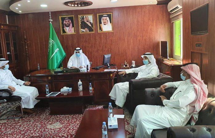 """""""الحربي"""" يبحث خطط مشاريع الإسكان في محافظة بدر الجنوب"""