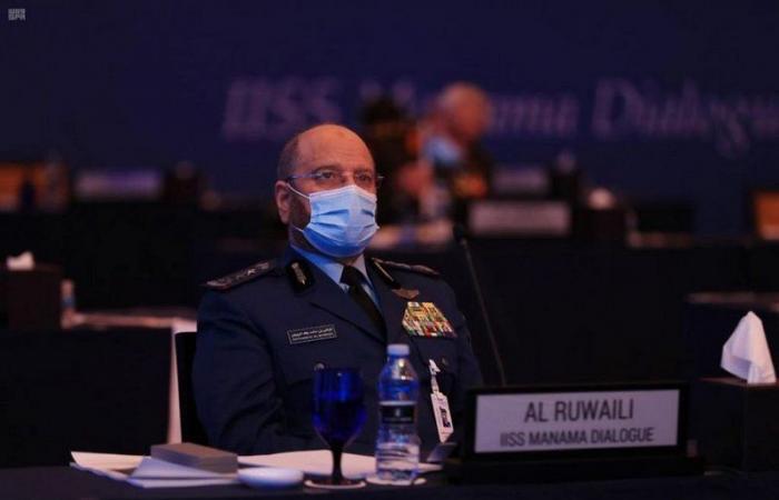 رئيس هيئة الأركان العامة يحضر الجلسة الافتتاحية لفعاليات حوار المنامة 2020