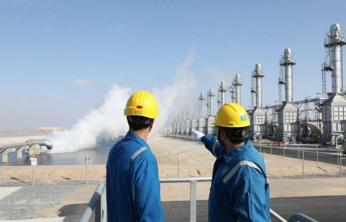 أسعار النفط تعاود الارتفاع بعد هبوطها خلال اليوم