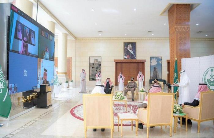 """أمير الباحة ووزير النقل يدشنان مشروع ازدواج طريق """"الباحة - الحزم – المطار"""""""