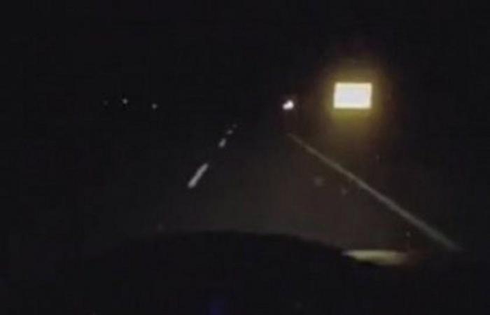 """""""مرور الطائف"""" يضبط قائد مركبة نشر مقطع فيديو أثناء قيادته بسرعة عالية"""