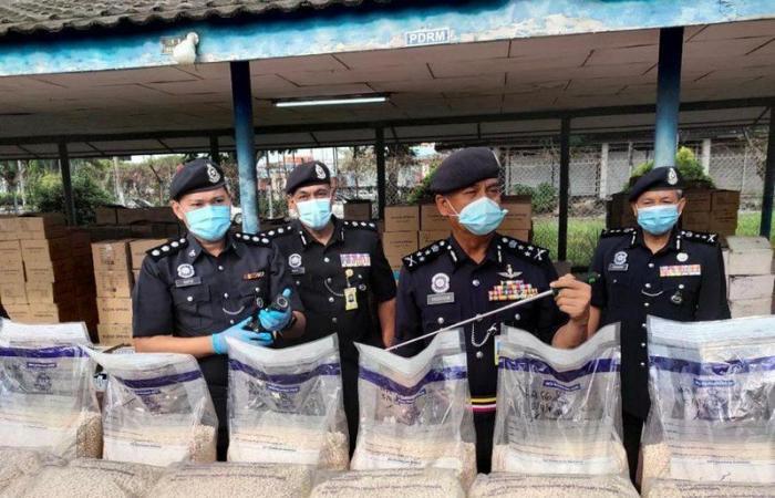 """تعاون """"مكافحة المخدرات"""" بالسعودية يقود السلطات الماليزية لضبط 3.8 مليون قرص مخدر"""