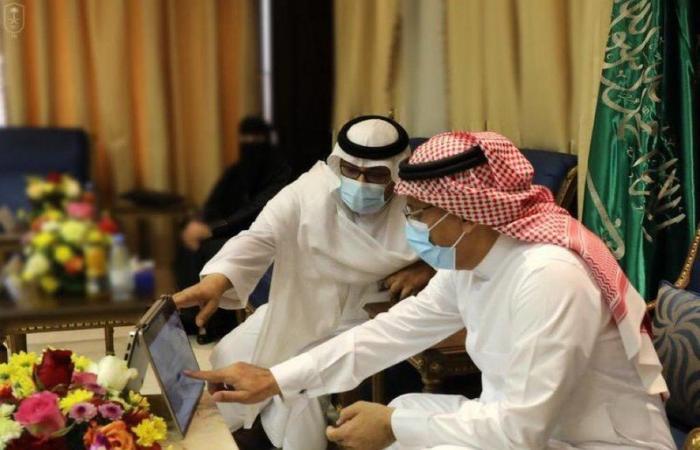 """شاهد.. رئيس جامعة الملك سعود يدشن منصة """"طور جامعتك"""""""