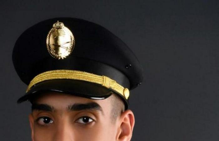 """""""الأسمري"""" يحتفل بتخرج نجله ضابطًا بالحرس الوطني"""