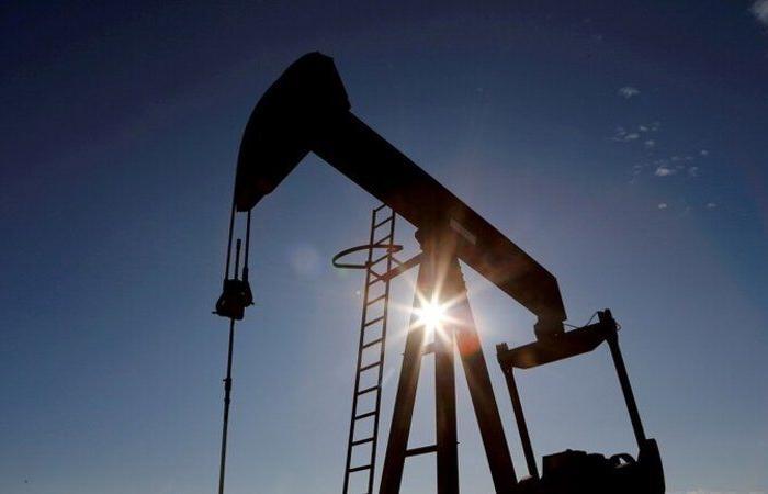 ارتفاع النفط متأثرًا بوتيرة التطعيم بالولايات المتحدة والتوتر في الشرق الأوسط