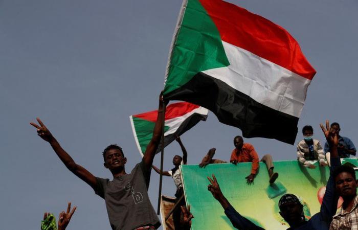 """أمريكا و""""النقد الدولي"""" يدعوان لتخفيف ديون السودان"""