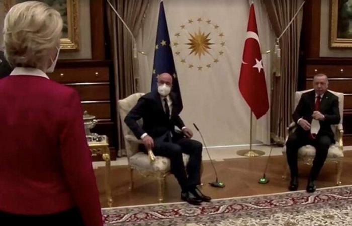 """بعد """"أزمة الكرسي"""".. رئيسة المفوضية الأوروبية: """"لن أسمح بهذا مجددًا"""""""