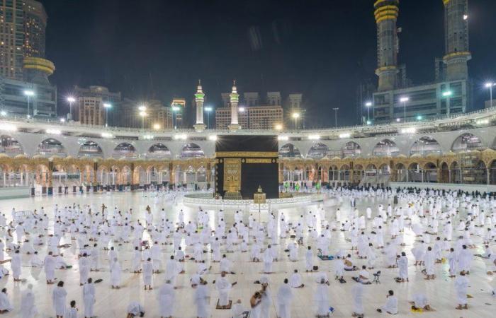 نائب وزير الحج:أداء العمرة متاح للراغبين من داخل وخارجالسعودية