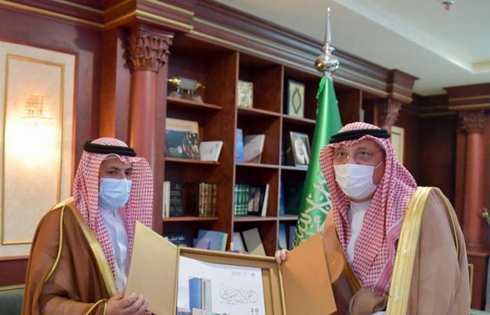 """""""محمد بن ناصر"""": جامعة جازان تشرفنا دائمًا من خلال منسوبيها"""