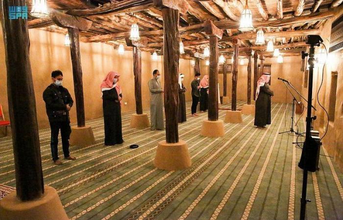 مسجد الأطاولة التاريخي يستقبل المصلين لأداء الصلوات الخمس