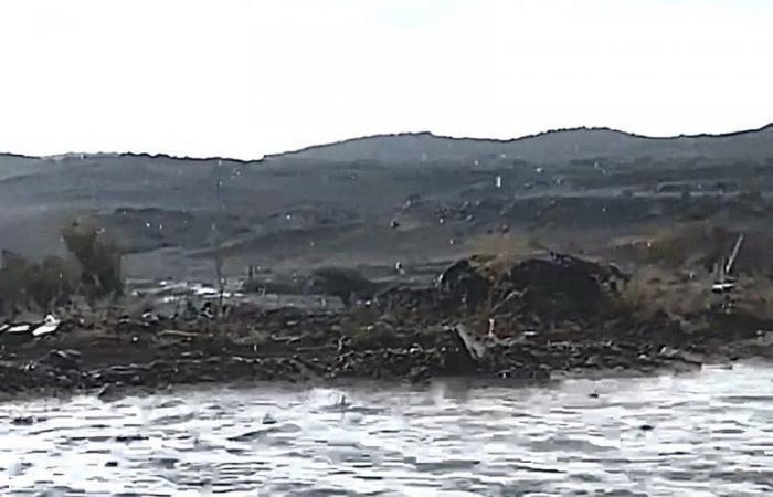 بالفيديو.. هطول أمطار متوسطة على بللحمر والحرارة 16 درجة